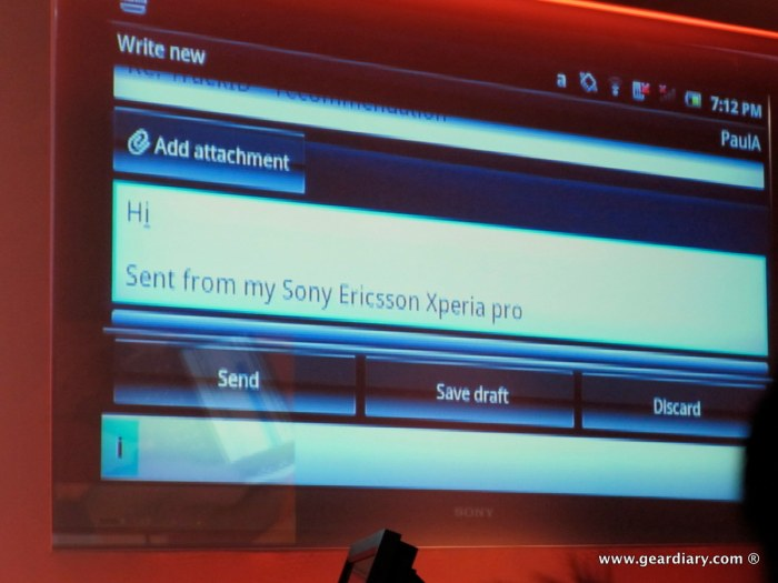 geardiary-chipchick-sony-ericsson-mobile-word-congree-pro-neo-play-21