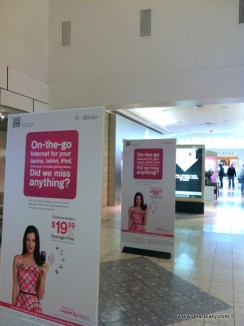 Gear Diary T Mobile Working Hard (At Apple Stores) To Fight Lack of iPhone photo