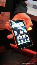 Gear Diary The Droid Motorola RAZR MAXX and Droid 4 Were Worth a Look, but They Didnt Steal the Show photo