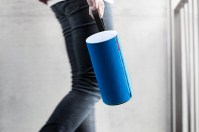Gear Diary The Libratone Zipp Airplay Speaker Is a Wolf in Sheeps Clothing photo