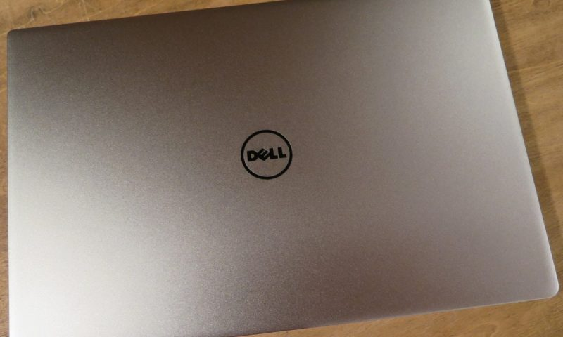 The Dell XPS 13 versus the 11 Apple MacBook Air
