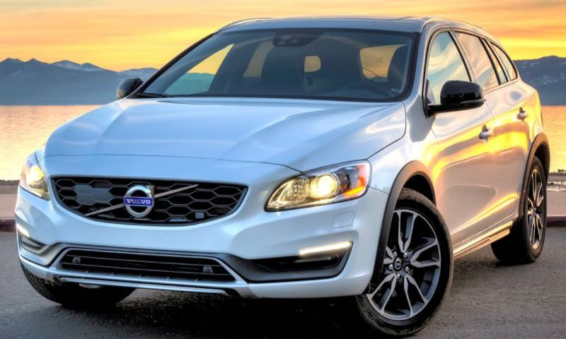 volvov60crosscountry1