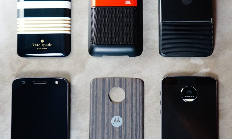 Moto Z Droids and Moto Mods - photo by Chloe Becquet