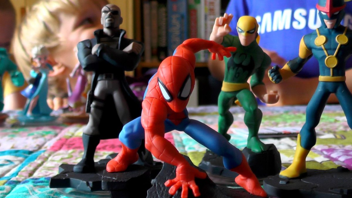 Kids React to Disney Infinity 2.0 Marvel Toys