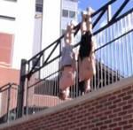 Se terminó el Planking, siguió el Horsemaning y ahora uno nuevo el Batmaning #Vídeo