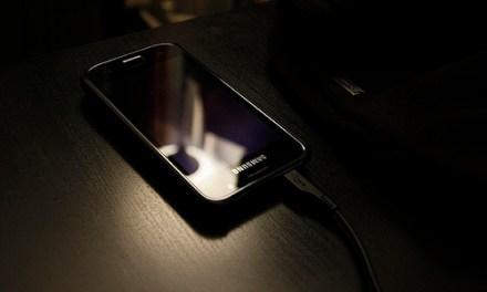 ¿Cómo preservar la vida de la batería en mi smartphone?
