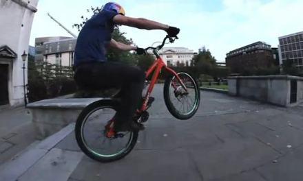 Streets of London, ciclismo al extremo con Danny MacAskill