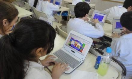 El gobierno argentino entregó la netbook Nro:3.000.000 a estudiantes de escuelas públicas