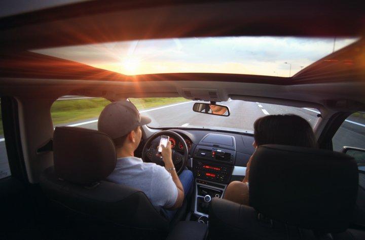 driving-car-pexels