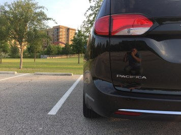 2017-chrysler-pacifica-limited-08