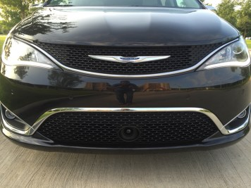 2017-chrysler-pacifica-limited-38