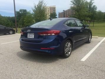 Hyundai-Elantra-Limited-2017-05