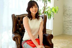 アラフォーには見えない…アイドルみたいなオーラを持つ奥さんがAV新人 岡野美由紀