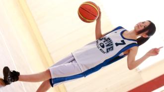 BUSケでヨーロッパ大会にも出場した経歴を持つ8頭身ハーフモデルスーザン・ユリカさん☆