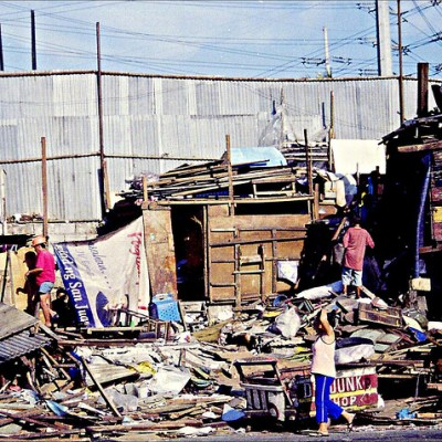 houses being demolished in Quezon City