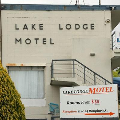 lake lodge motel