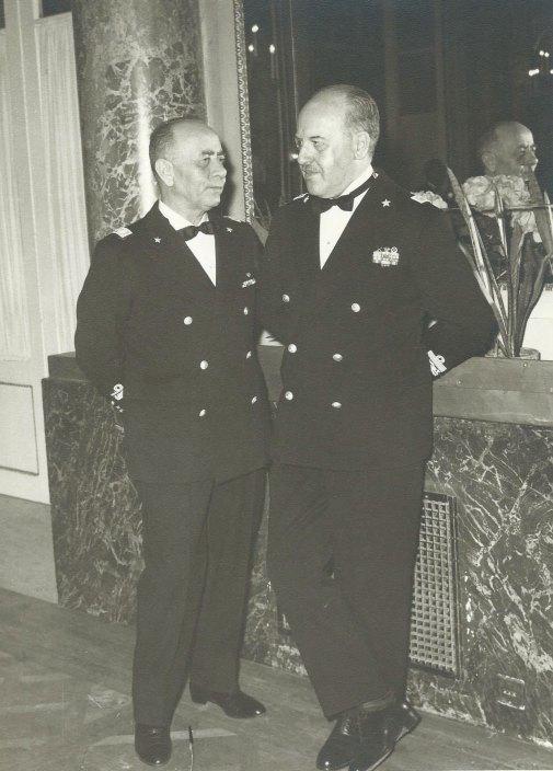 Generale de Lorenzo con Egidio Viggiani