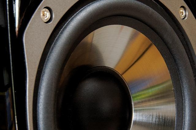How Multiple Speakers Share Power - Geoff the Grey Geek