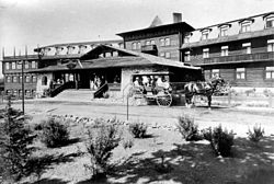 The El Tovar opened in 1905. It was constructed to house passengers who wanted to visit the grand canyon and came there by train. It was not yet a national park.
