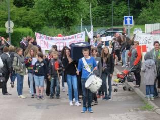 collège Granges Cercueil flamme marche (4)
