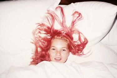 Jürgen Teller: Young Pink Kate, London 1991; Quelle: esel.at