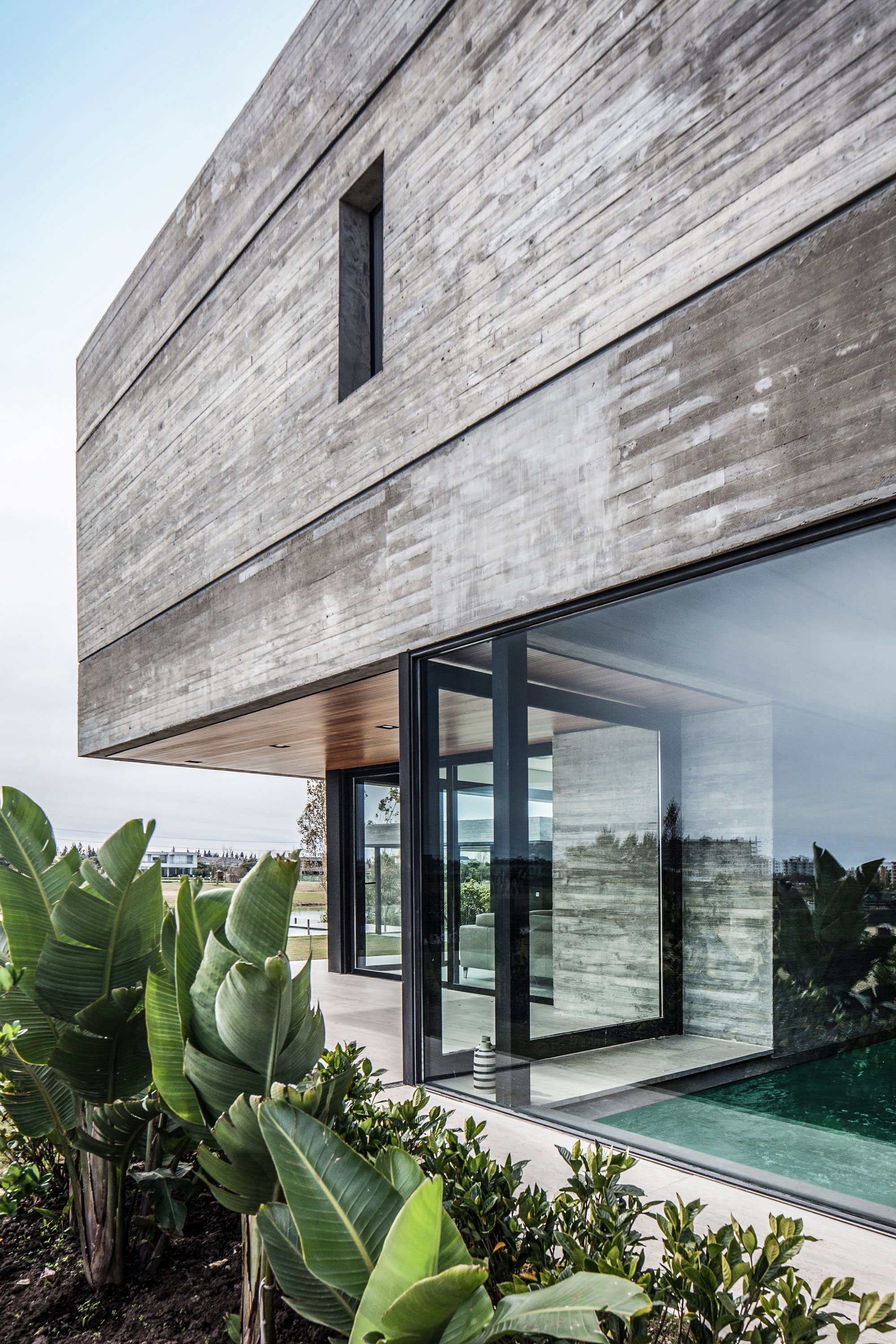 Concrete Rooms A Modern Concrete House Designed By Remy Architects