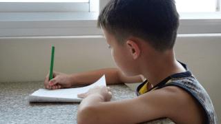 小学生の宿題を親が見るのはアリ?私的イライラしないですむ方法をご紹介!