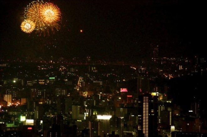 hiroshima-port-fireworks-from-ushita-yama-07