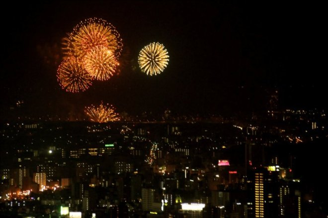 hiroshima-port-fireworks-from-ushita-yama-09
