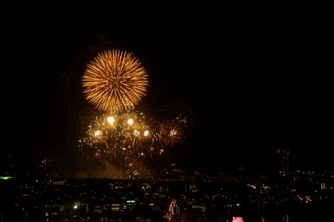 hiroshima-port-fireworks-from-ushita-yama-12
