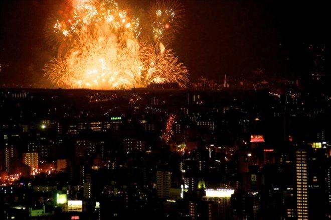 hiroshima-port-fireworks-from-ushita-yama-14