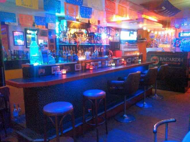 bar ken's and tres marias - 4