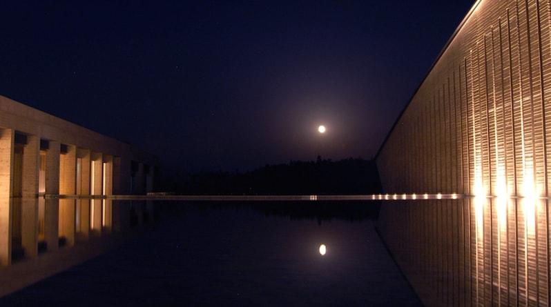 full moon at okuda genso sayme art museum