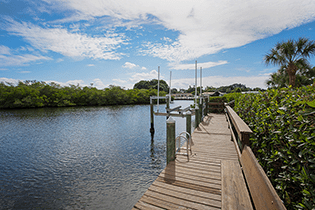 Debra-Pitel-Hauge-7110-Hawks-Harbor-Circle-Dock-315-210