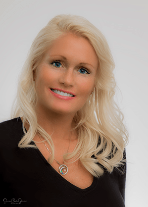Luxury Realtor Mariah Morris of Yorkshire International Real Estate
