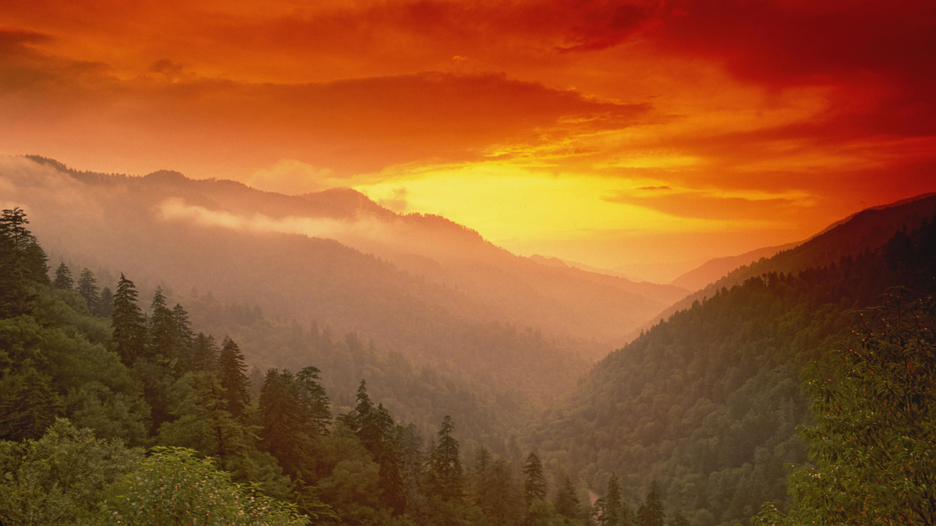 Smoky Mountains Iphone Wallpaper Cool Mountain Background Wallpapers 58 Images