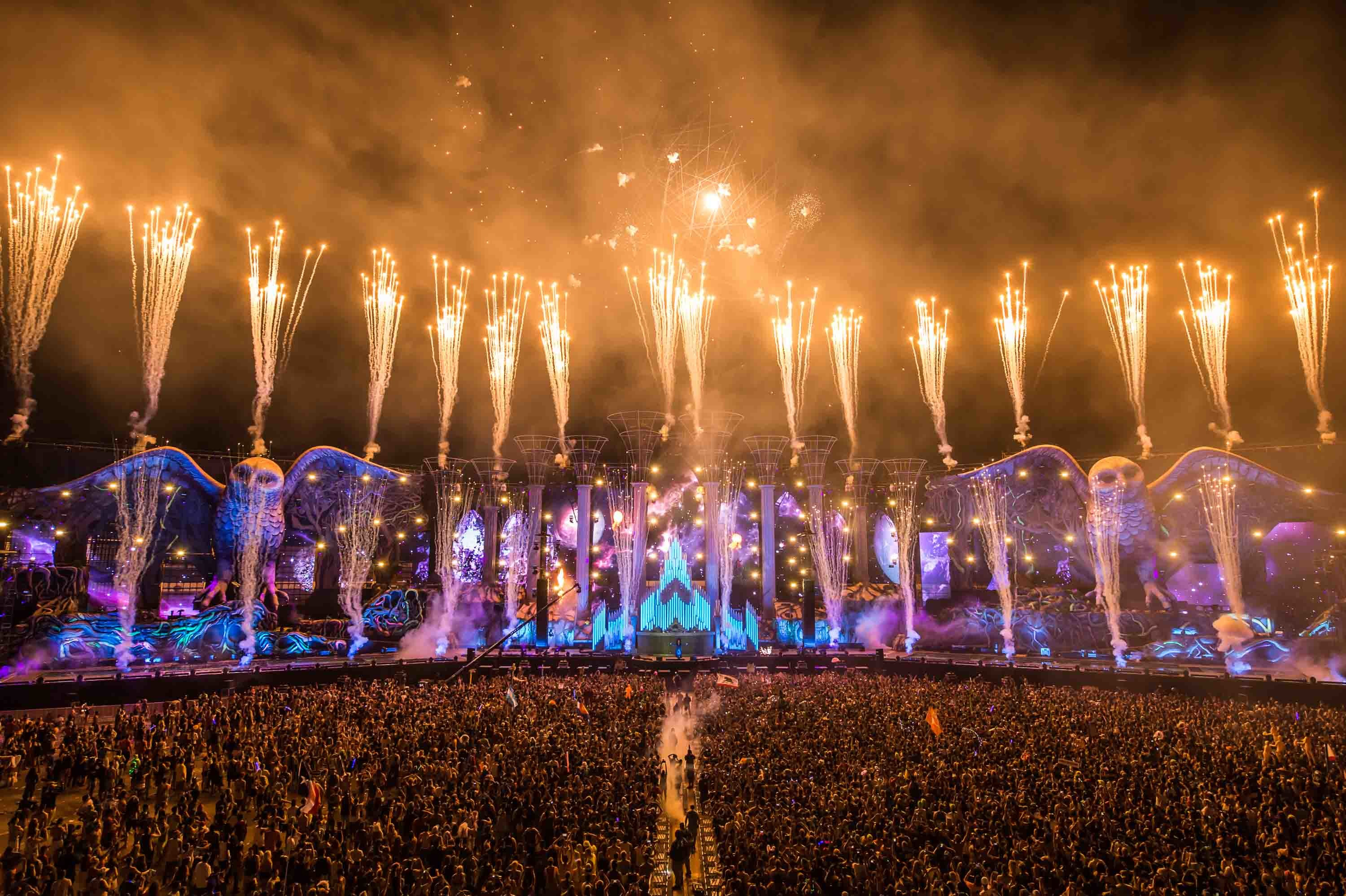 Swedish House Mafia Hd Wallpapers Tomorrowland 2018 Laser Show Hd Wallpaper 72 Images