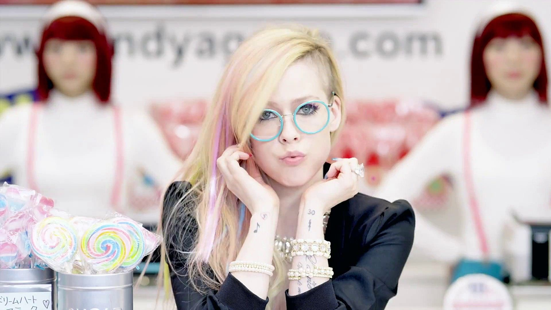 How To Make Live Wallpaper Iphone X Avril Lavigne Wallpapers 71 Images