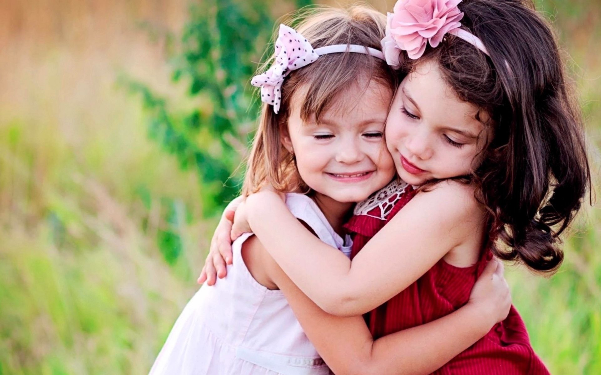 Boy And Girl Hug Wallpapers Innocent Wallpapers 74 Images