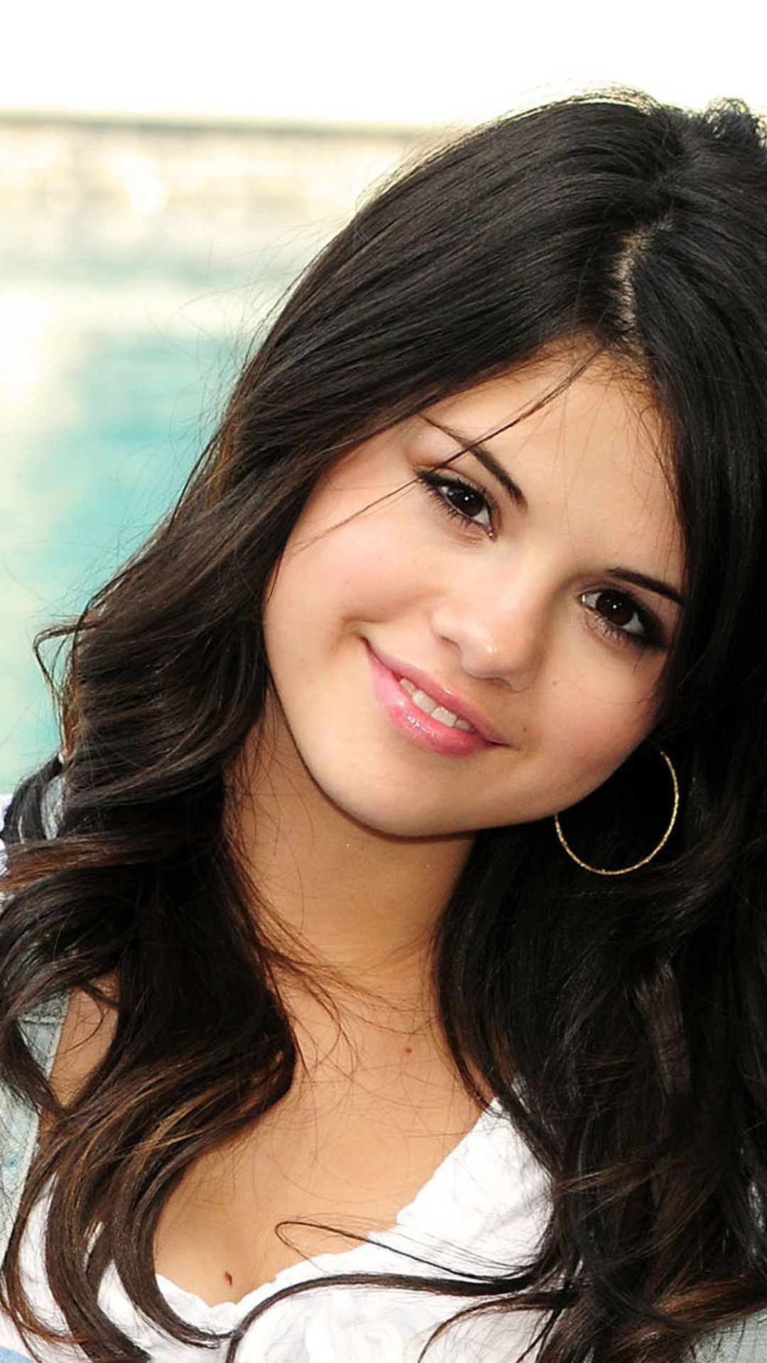 Cute Girl Wallpaper With Smile Selena Gomez Iphone Wallpaper 80 Images