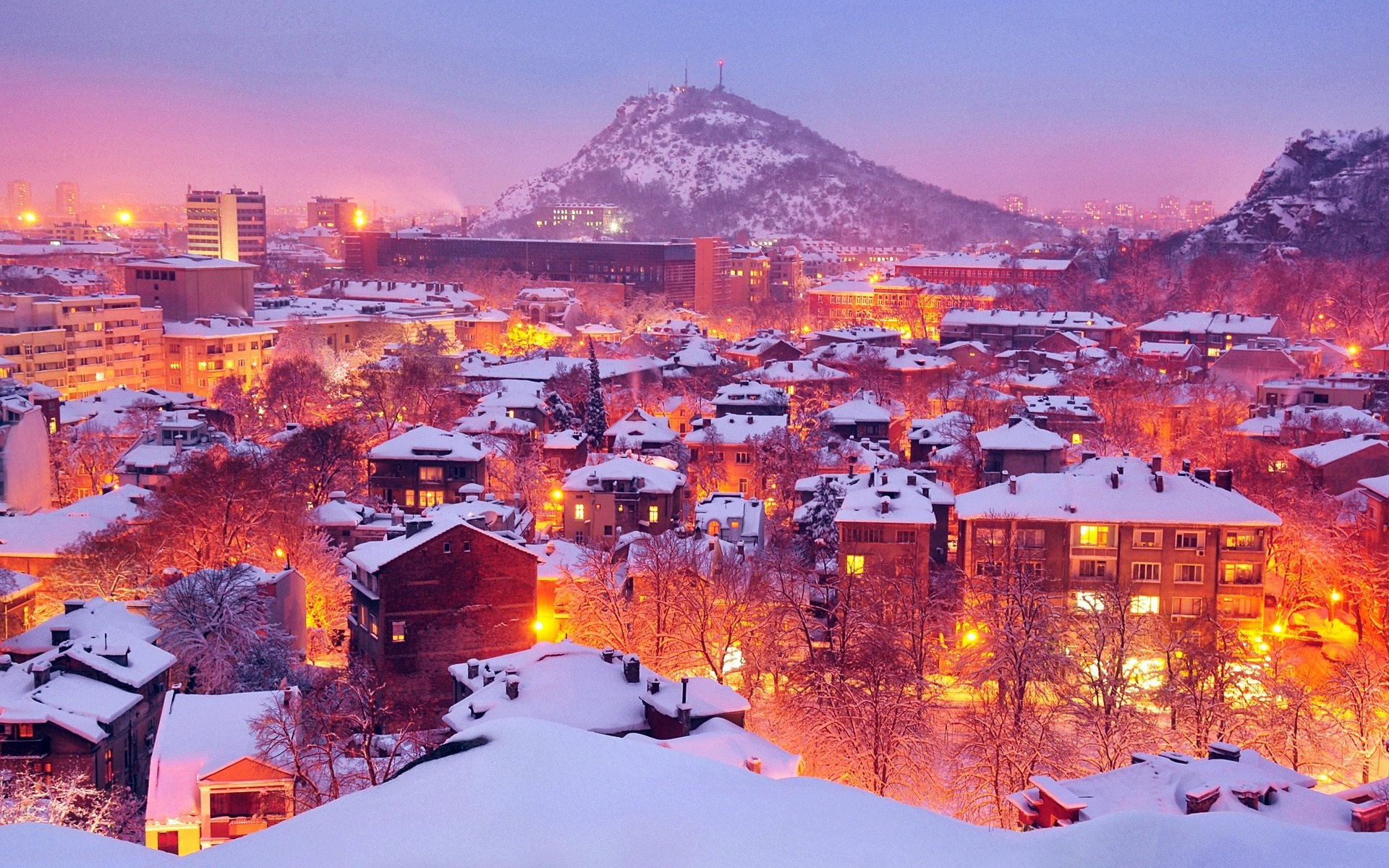 Snow Falling At Night Wallpaper Snow In The City Wallpaper 65 Images