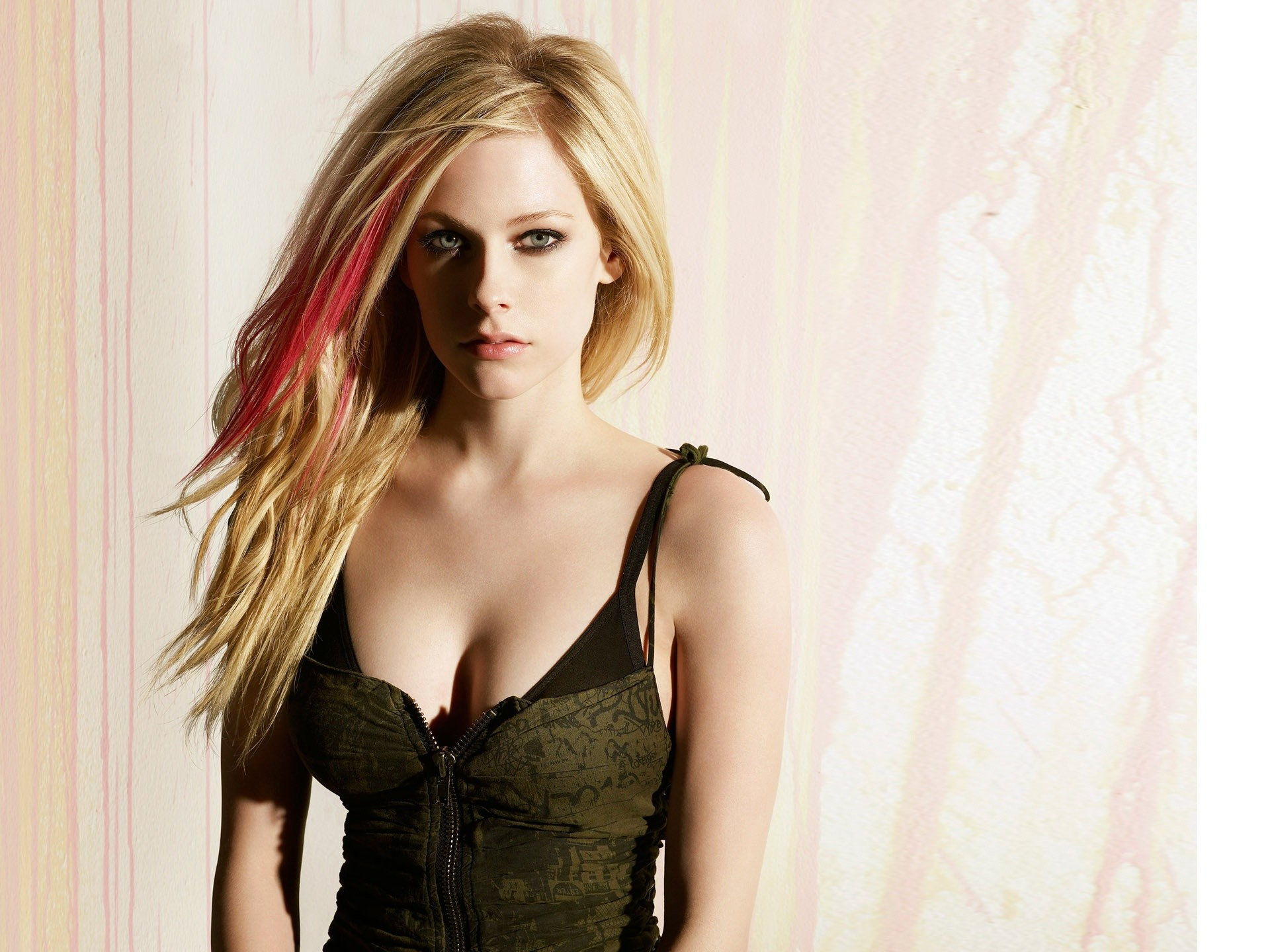 Best Girl Wallpaper For Mobile Avril Lavigne Wallpapers 71 Images