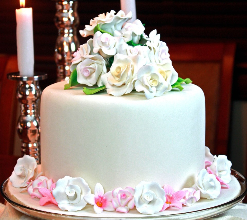 Cake Wallpapers With Name Floweryred2