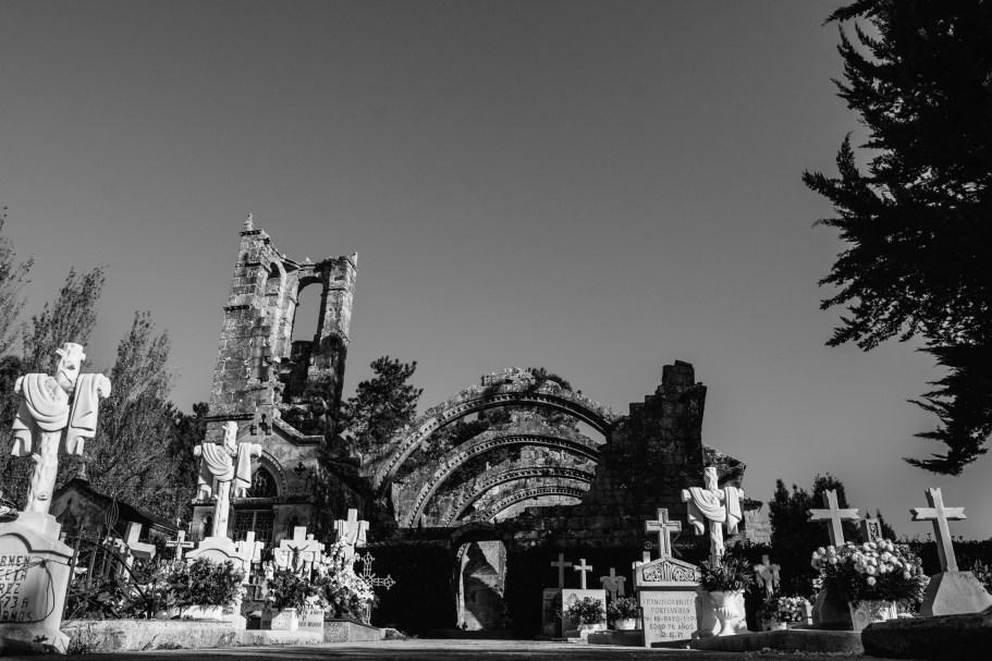 Cementerio de recuerdos en la ruina.