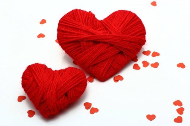 Большое и маленькое красное сердце