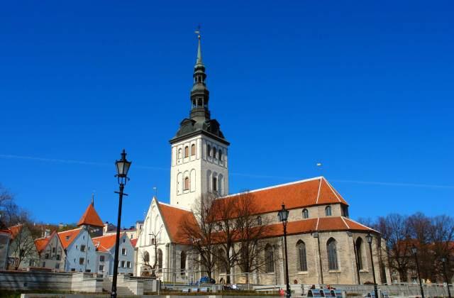 vсредневековый храм в Таллине-
