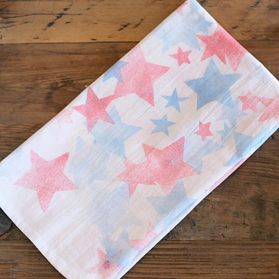 17 Easy 4th of July Crafts - Patriotic Fourth of July DIY Ideas - craft ideas for the home