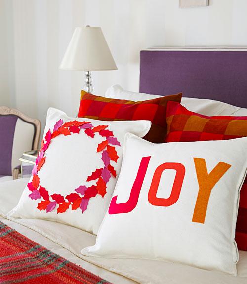 How to Decorate Pillows with Felt - Felt Christmas Pillows Directions - decorative christmas pillows