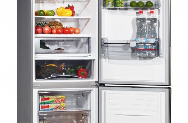 open-refrigerator-with-food_1320-367
