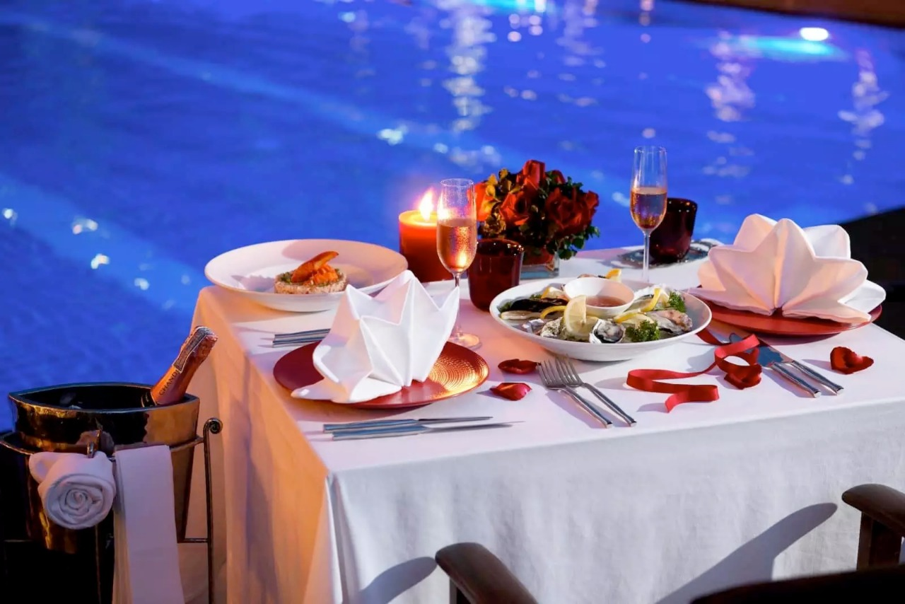 Romantic Pool Ideas Romantic Pool Side Dinner Stay